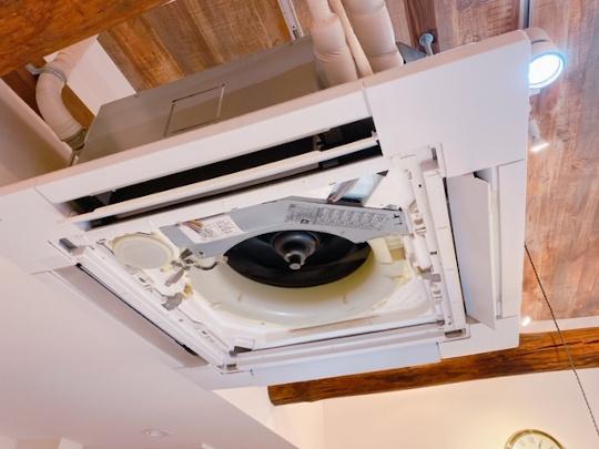 業務用埋め込み型エアコン